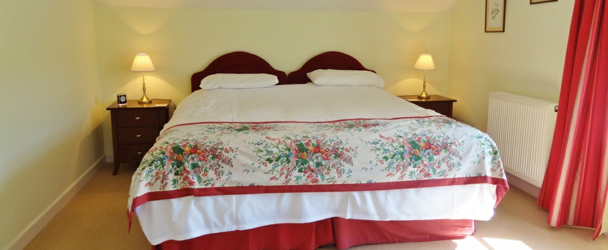 Double bed can be made up as 2 singles.